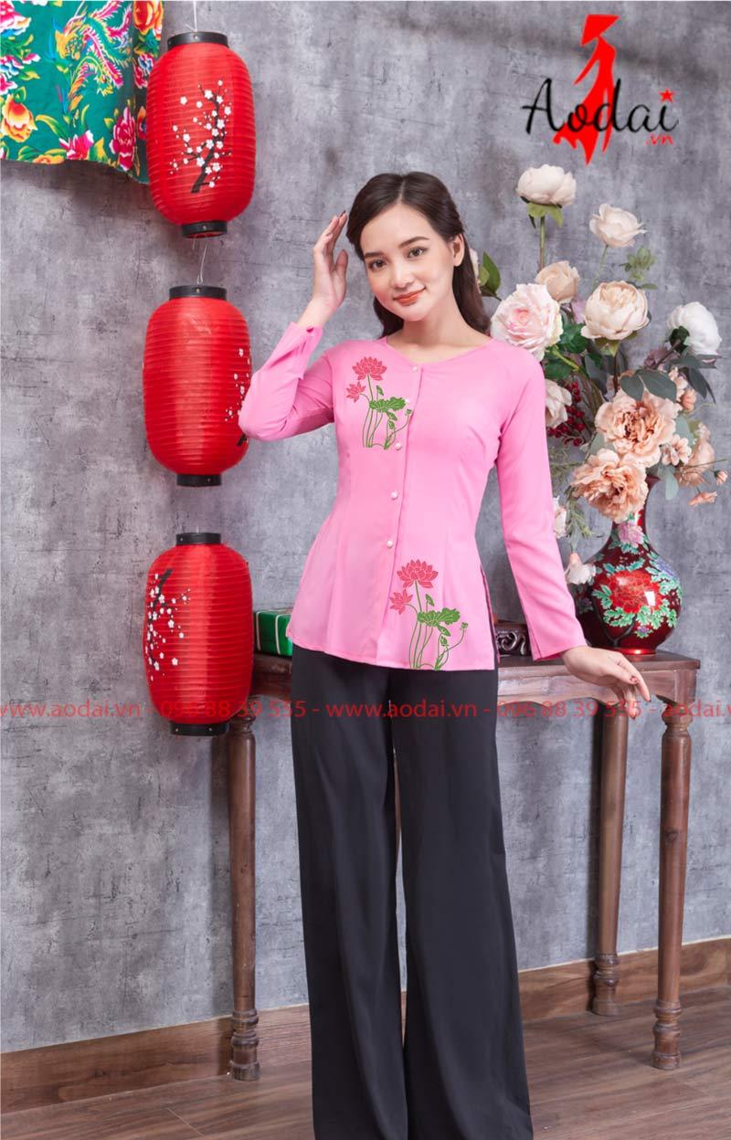 Áo bà ba hoa sen đậm màu hồng