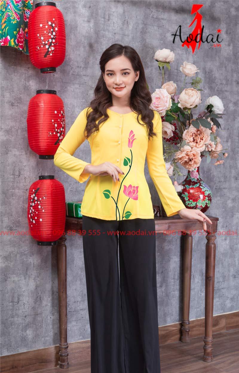Áo bà ba hoa sen hồng màu vàng