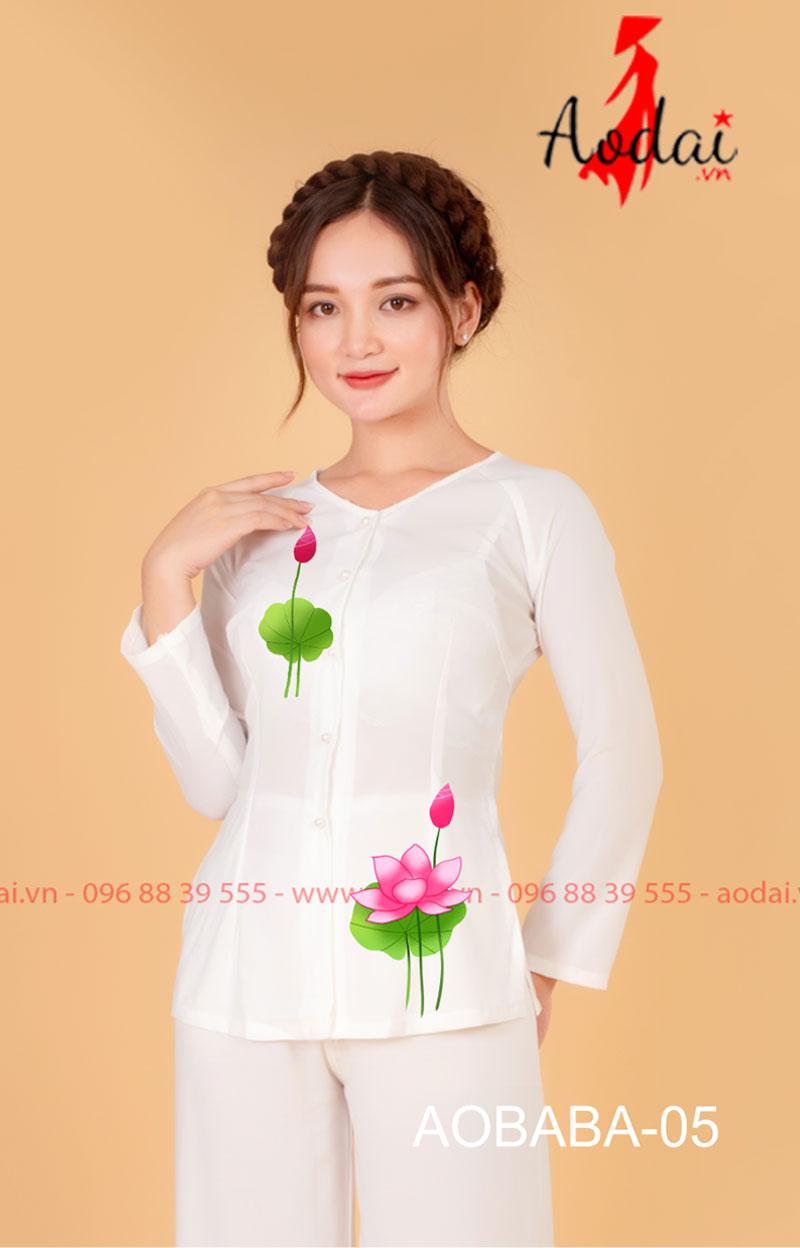Áo bà ba hoa sen màu trắng - quần trắng 03