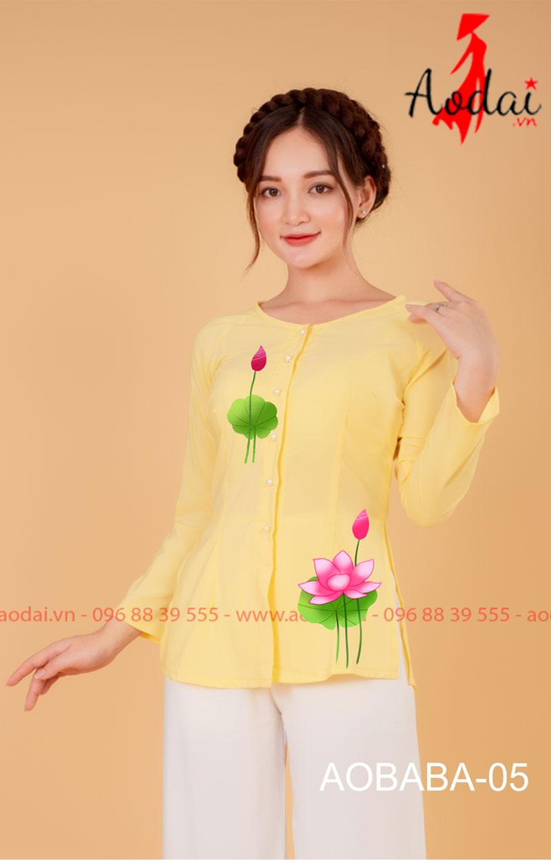 Áo bà ba hoa sen màu vàng - quần trắng 03
