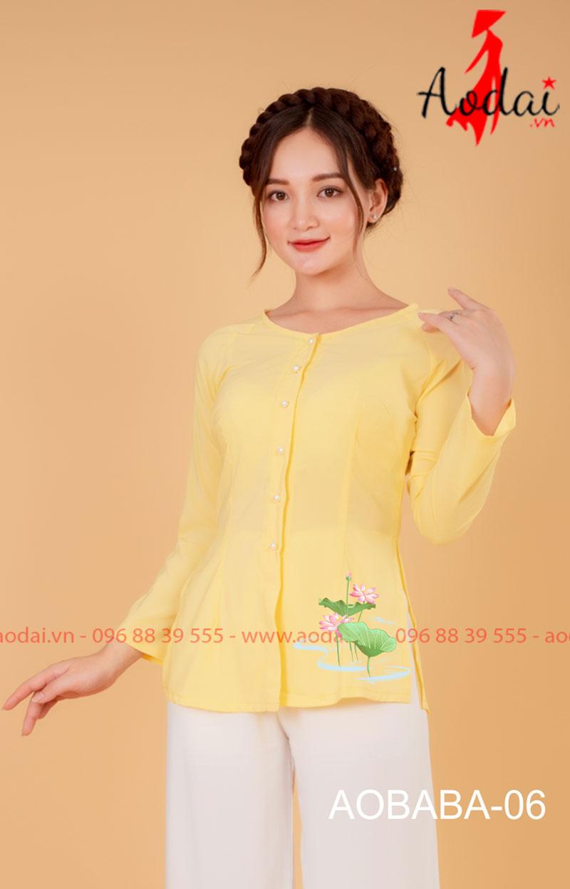 Áo bà ba hoa sen màu vàng - quần trắng 06