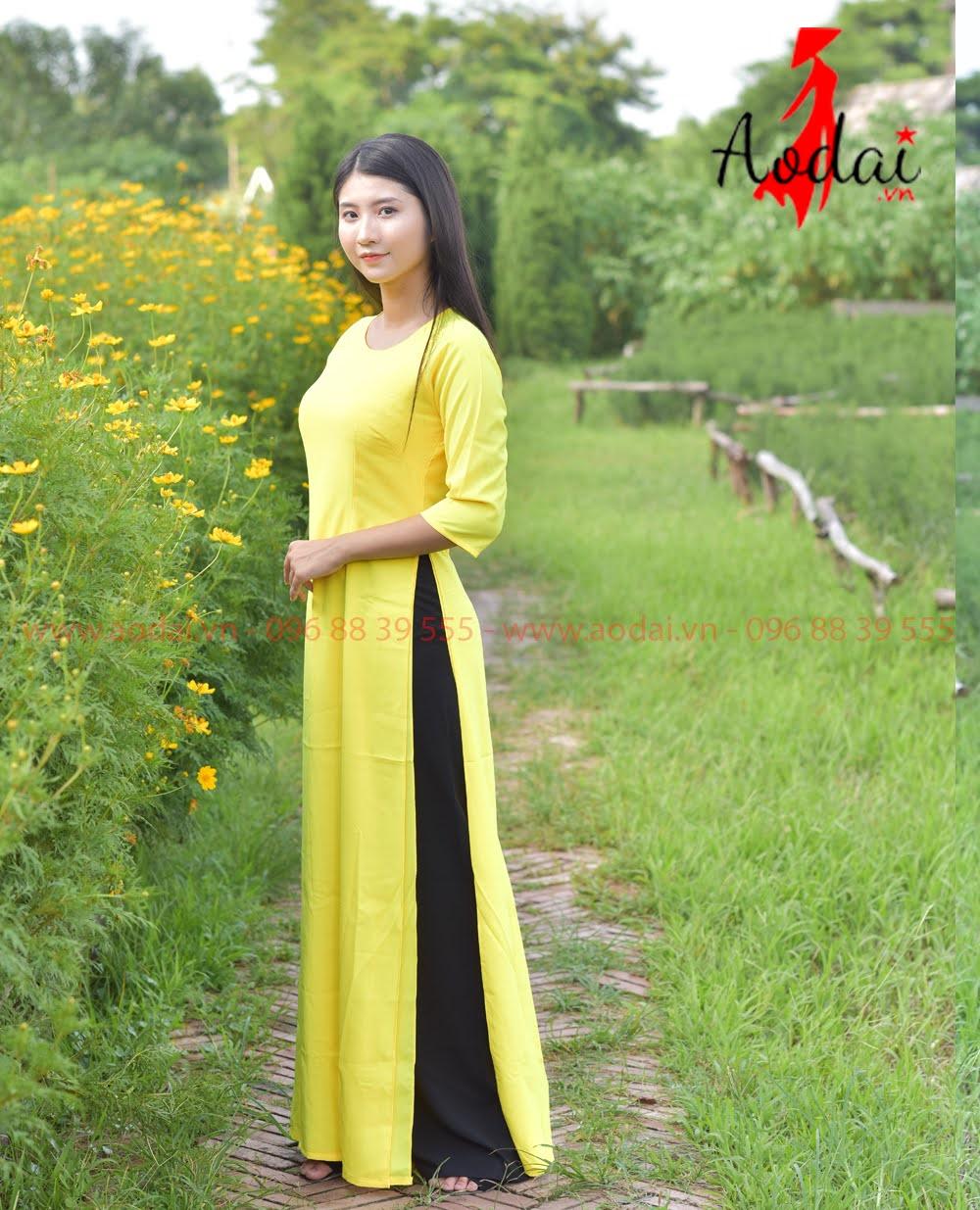 In áo dài tại Điện Biên