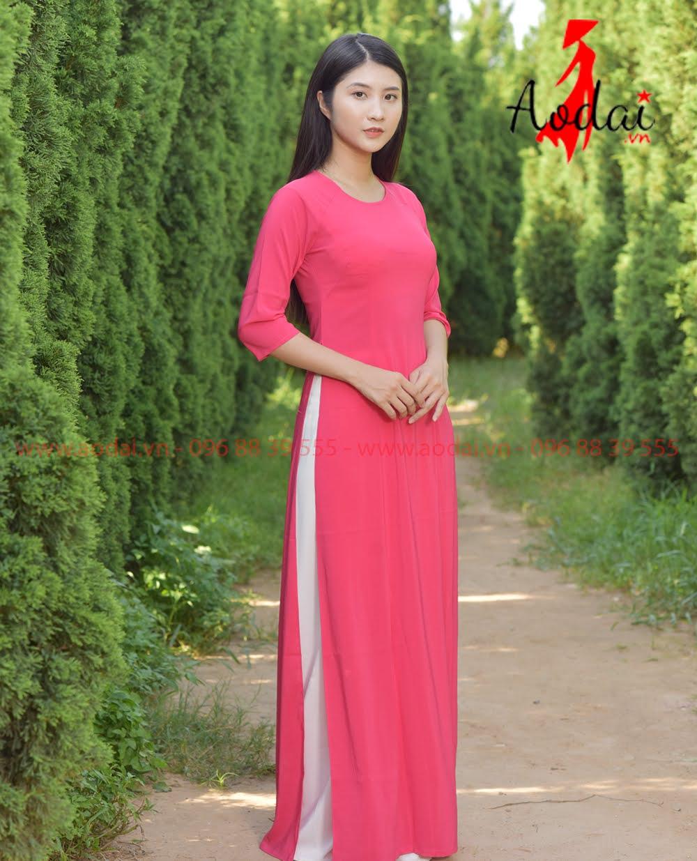 In áo dài tại Mê Linh