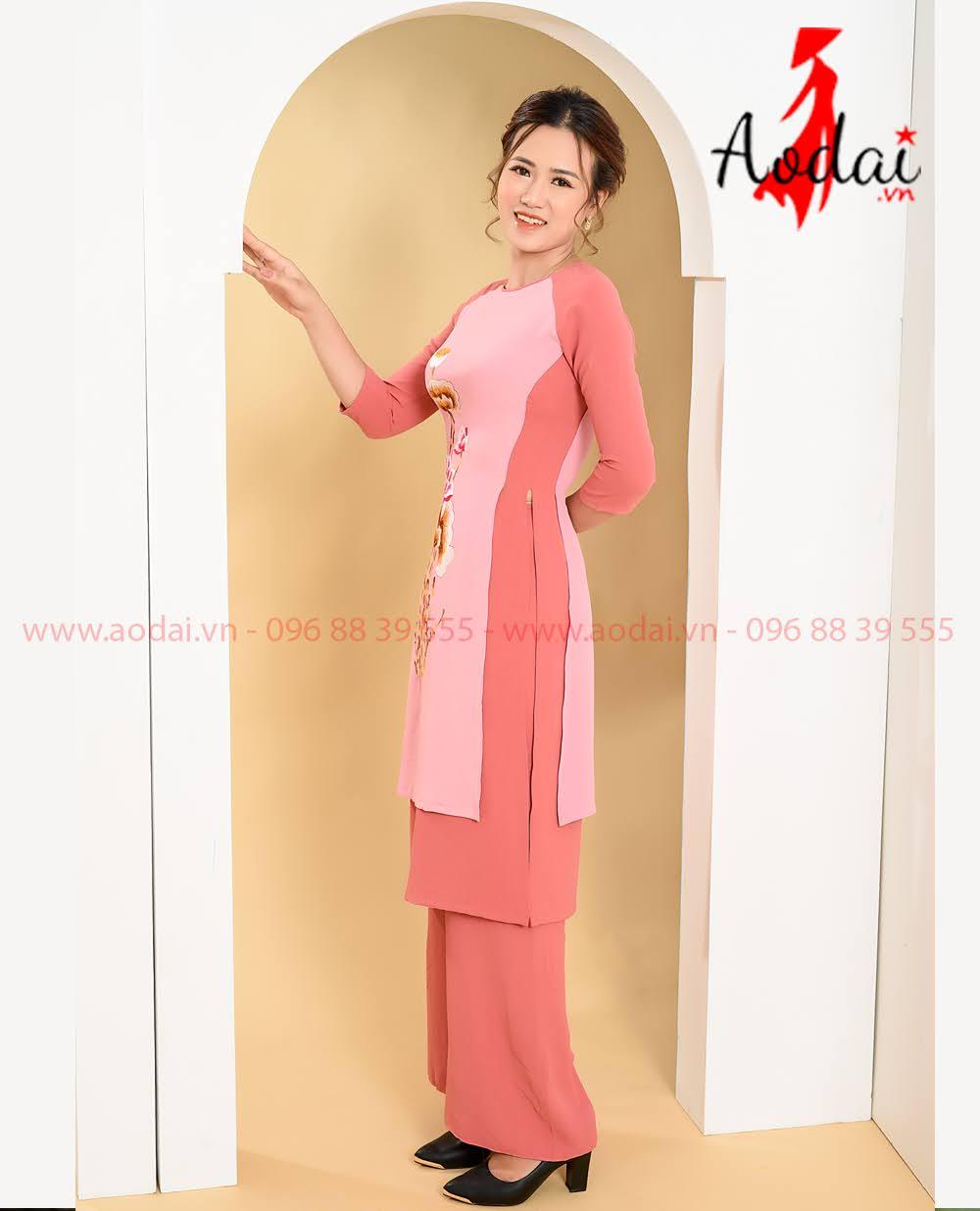 In áo dài tại Quảng Bình