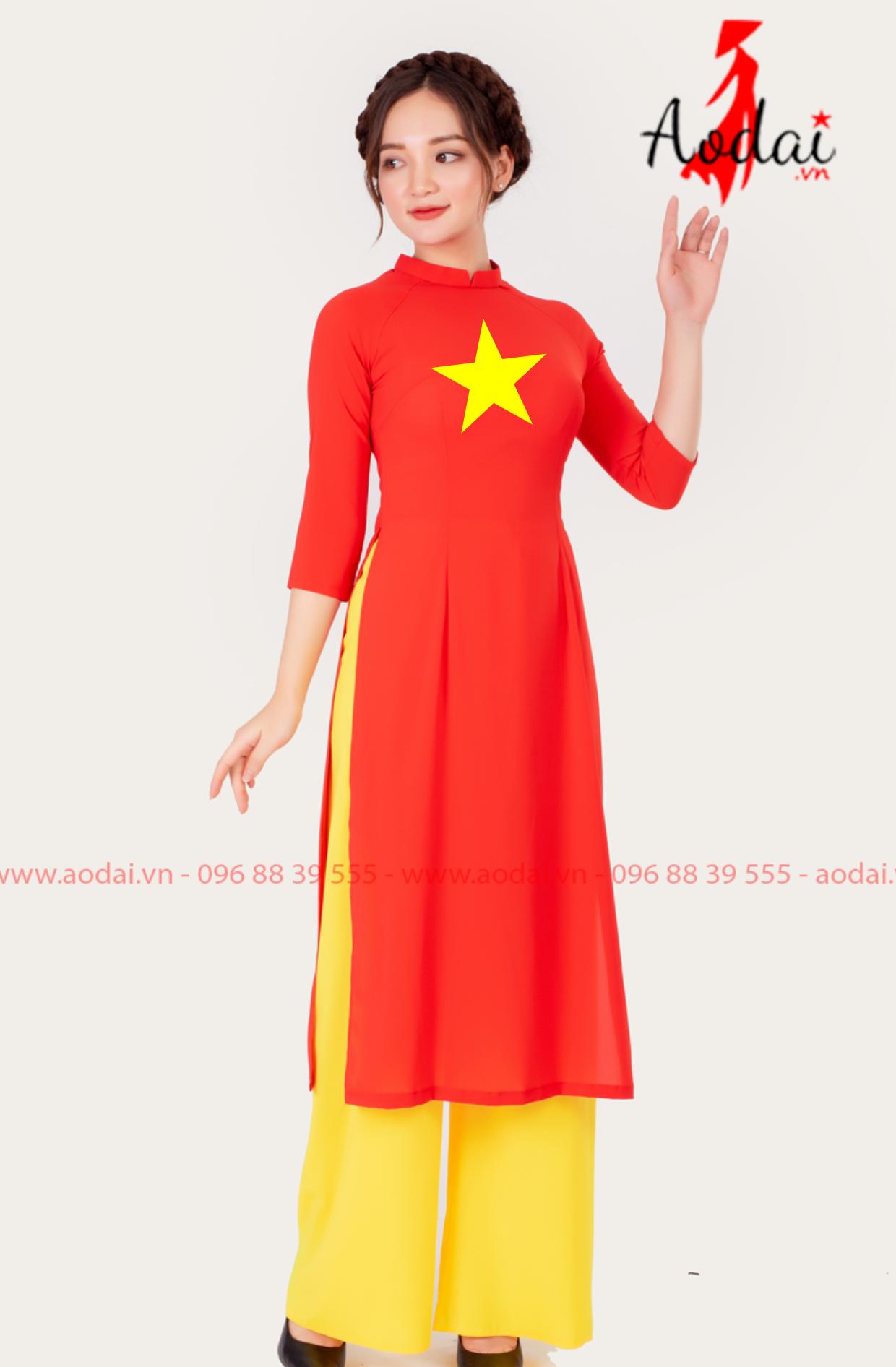 Áo dài cờ đỏ sao vàng cách tân