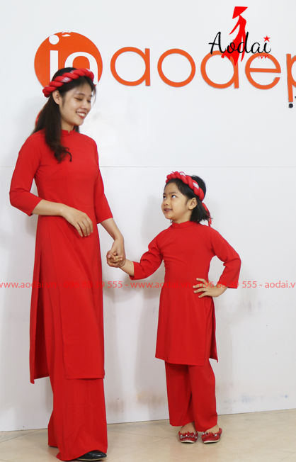 Áo dài cho mẹ và bé màu đỏ | Ao dai cach tan