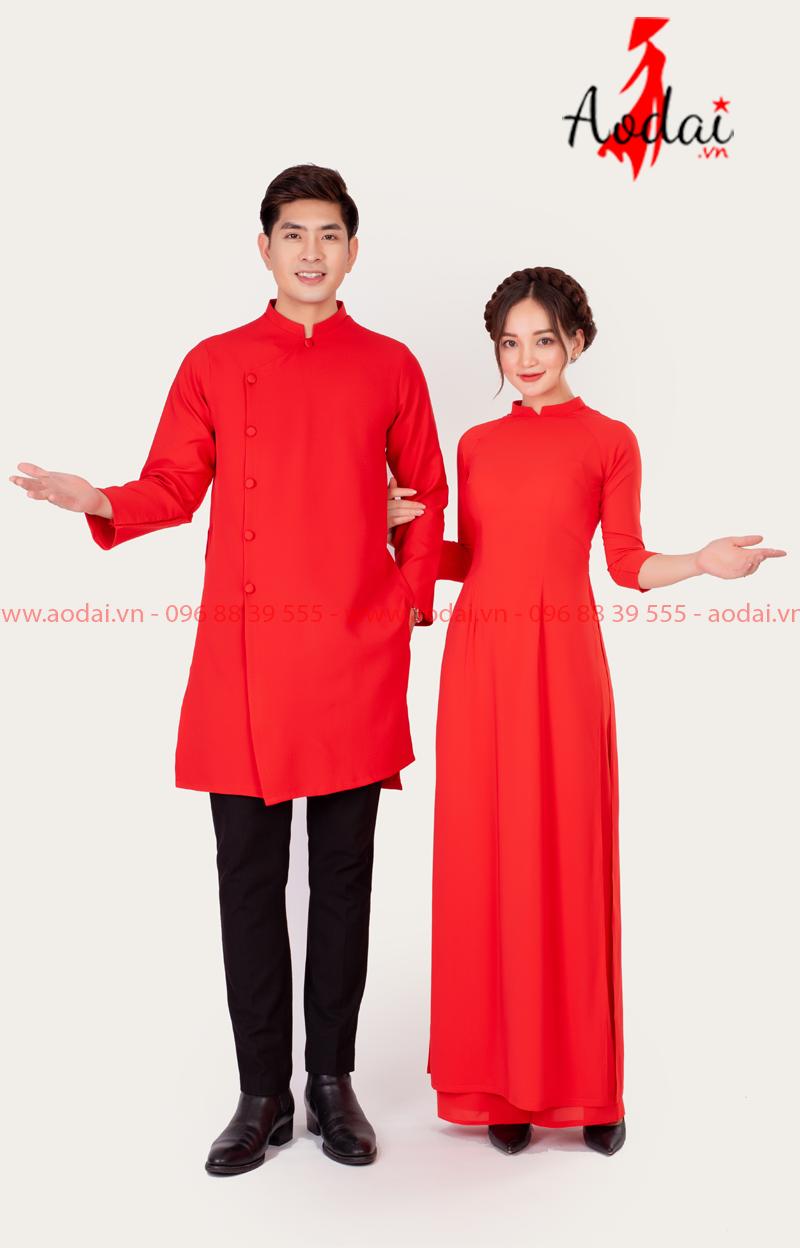 Áo dài đôi màu đỏ