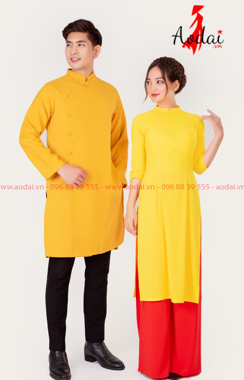 Áo dài đôi màu vàng