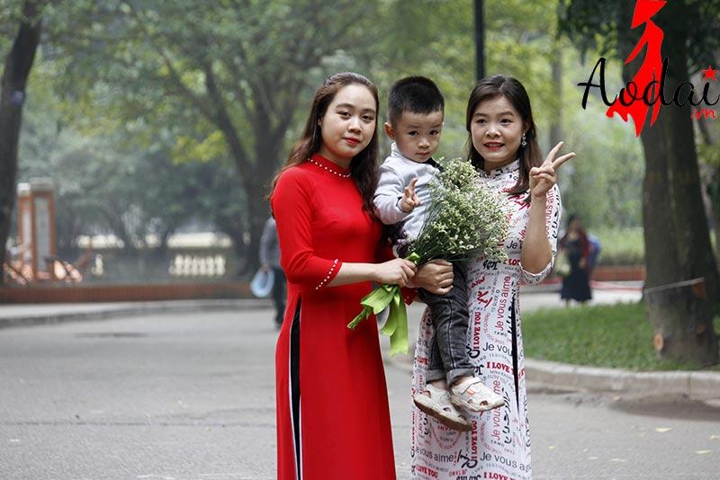 Áo dài giáo viên trường Mầm non Tomokid Kim Mã Hà Nội