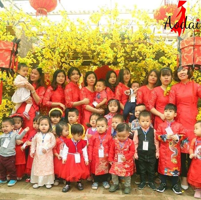 Áo dài giáo viên trường mầm non Alphabet Hà Nội