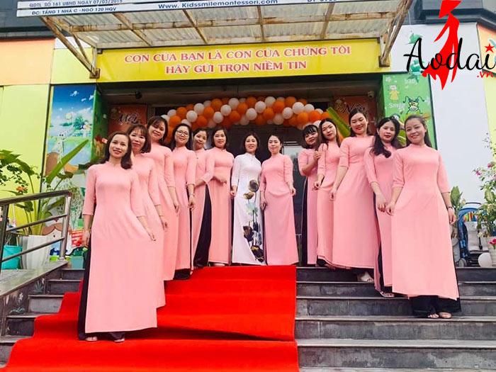  Áo dài giáo viên trường Mầm non Kids Smile Hà Nội