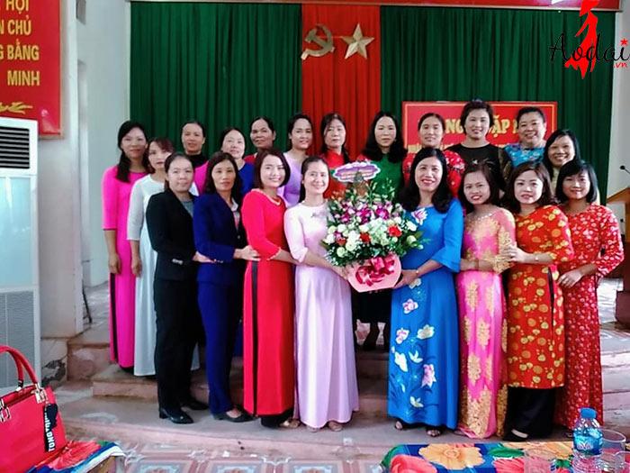 Áo giáo viên trường Mầm non Đốc Tín Hà Nội | Ao dai giao vien mam non