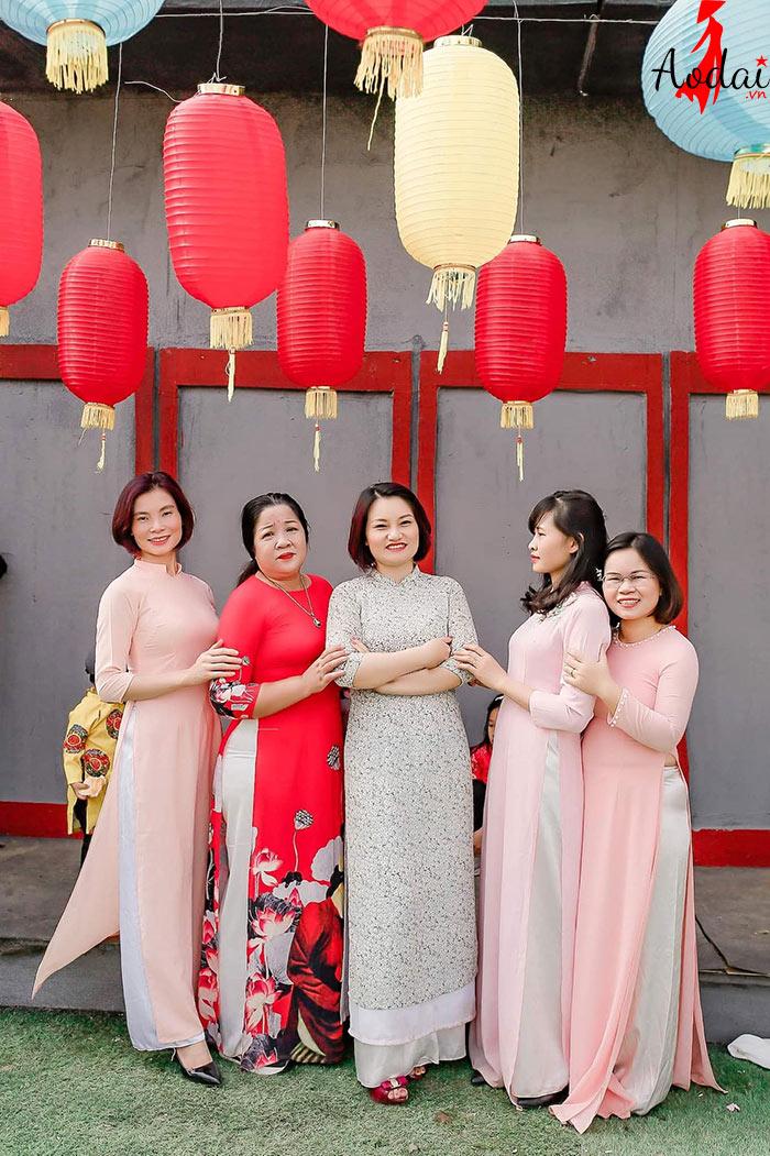 Áo dài giáo viên trường Mầm non Hạt Mầm Nhỏ Hà Nội