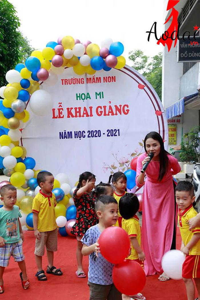 Áo dài giáo viên trường Mầm non Họa Mi Hà Nội | Ao dai giao vien mam non
