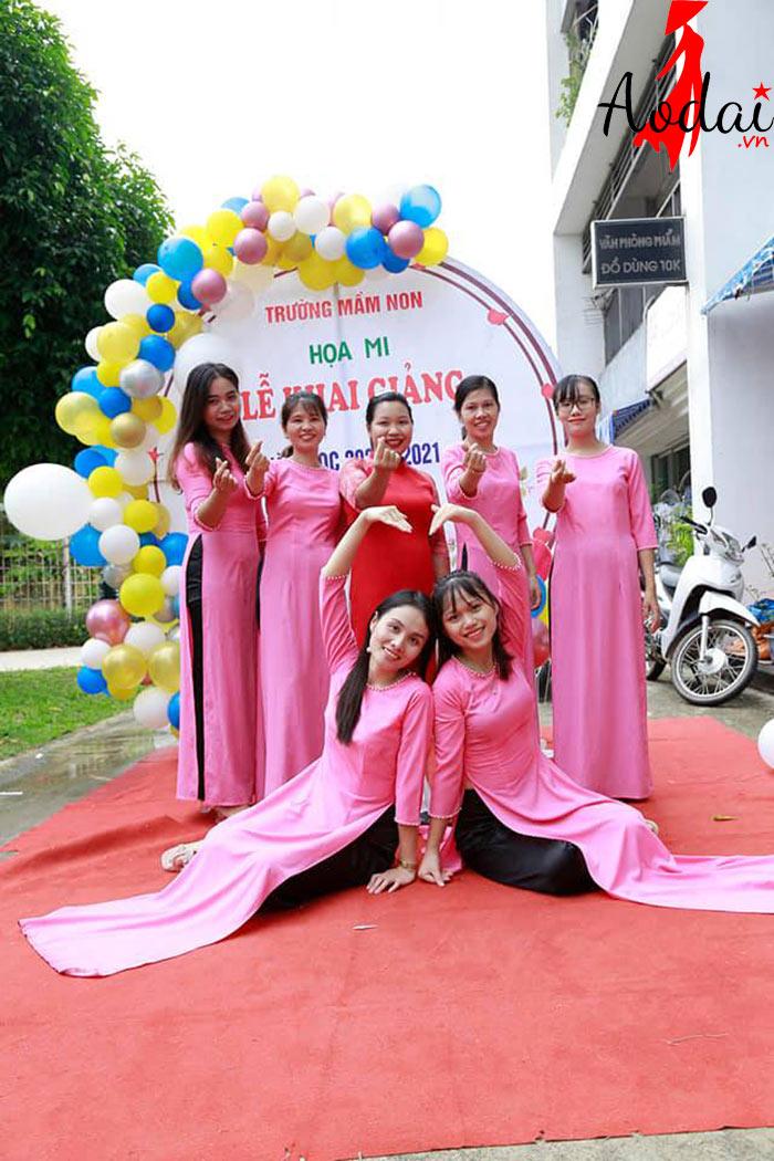 Áo dài giáo viên trường Mầm non Họa Mi Hà Nội