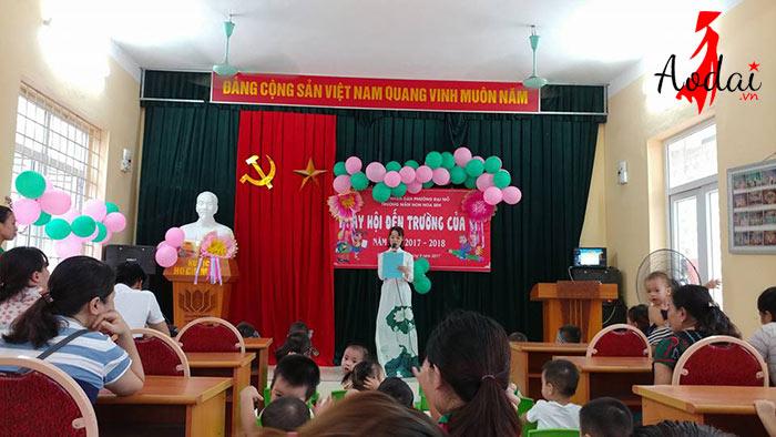 Áo dài giáo viên trường Mầm non Hoa Sen Hà Nội