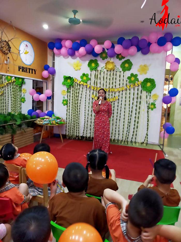 Áo dài giáo viên trường Mầm non Ngôi Sao Hà Nội