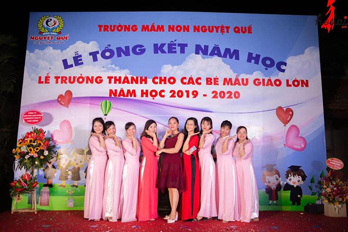 Áo dài giáo viên trường Mầm non Nguyệt Quế Hà Nội