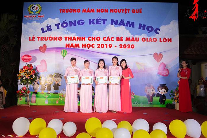 Áo dài giáo viên trường Mầm non Nguyệt Quế Hà Nội   Ao dai giao vien mam non