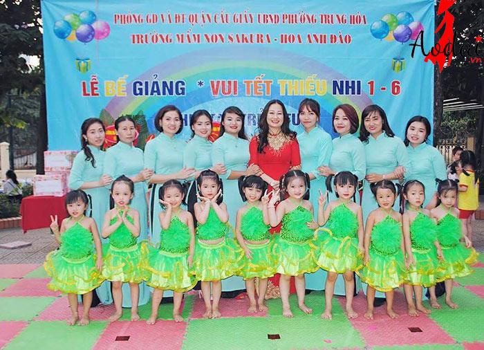 Áo dài giáo viên trường Mầm non Sakura - Hoa anh đào Hà Nội