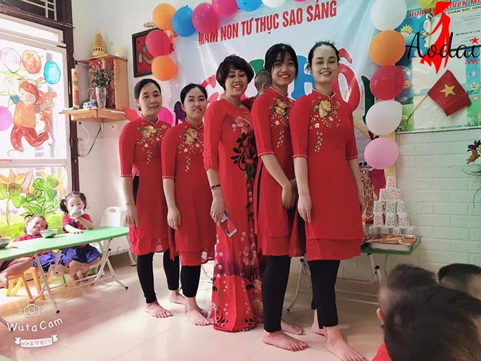 Áo dài giáo viên trường mầm non Sao Sáng Hà Nội