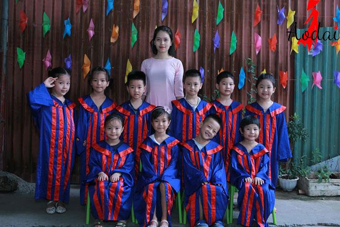 Áo dài giáo viên trường Mầm non Sơn Ca Hà Nội