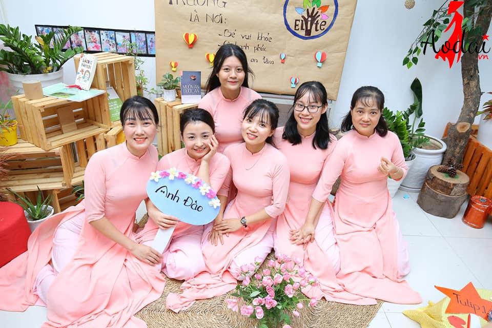 Áo dài giáo viên trường Mầm non Tinh Hoa Hà Nội