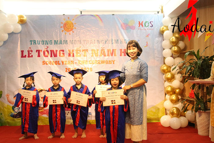 Áo dài giáo viên trường Mầm non Trải nghiệm Hà Nội