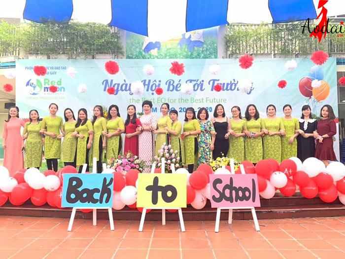 Áo dài giáo viên trường Mầm non Trăng Đỏ Hà Nội