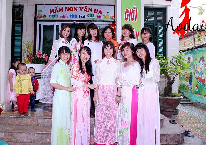 Áo dài giáo viên trường Mầm non Vân Hà Hà Nội | Ao dai giao vien mam non