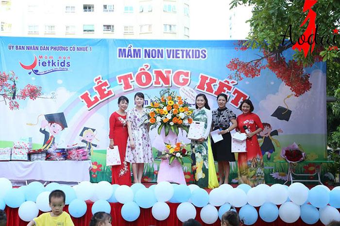 Áo dài giáo viên trường Mầm non Việt Kids Hà Nội | Ao dai giao vien mam non