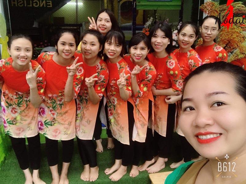 Áo dài giáo viên trường Mầm non Việt Úc Hà Nội