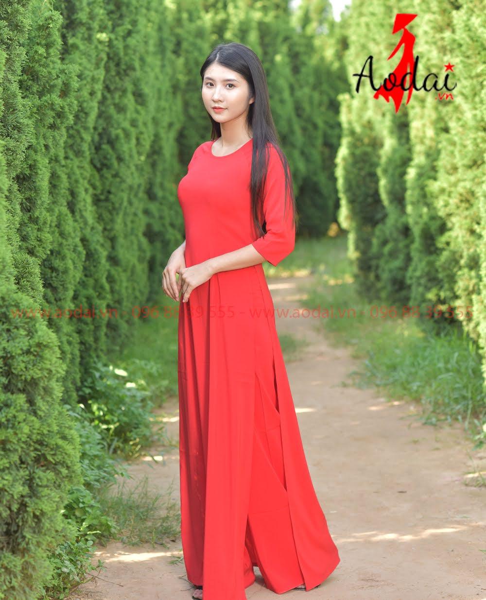 Áo Dài Nữ Cổ Tròn Mầu đỏ