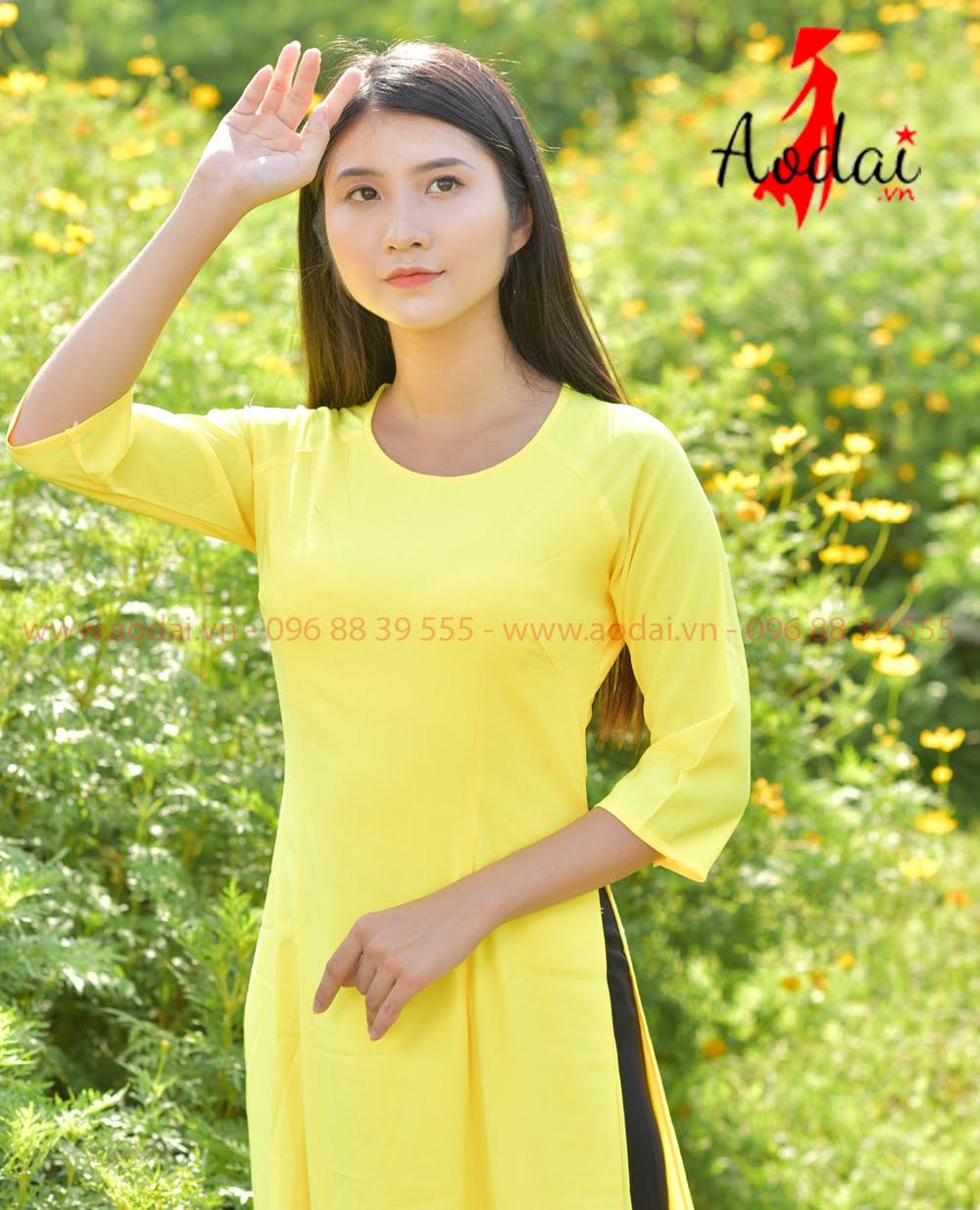 Áo Dài Nữ Cổ Tròn Mầu vàng - Quần đen