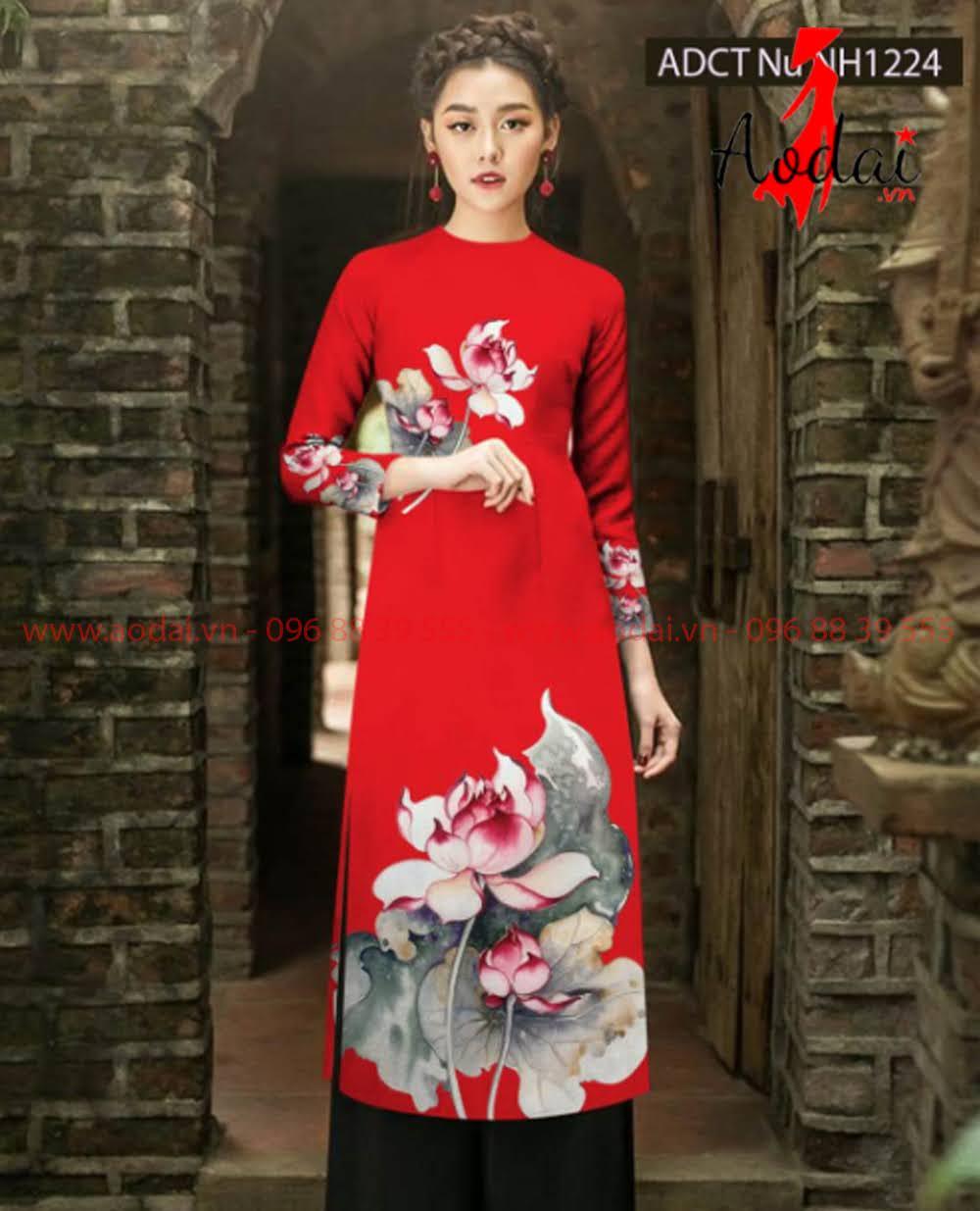 May áo dài tại Điện Biên