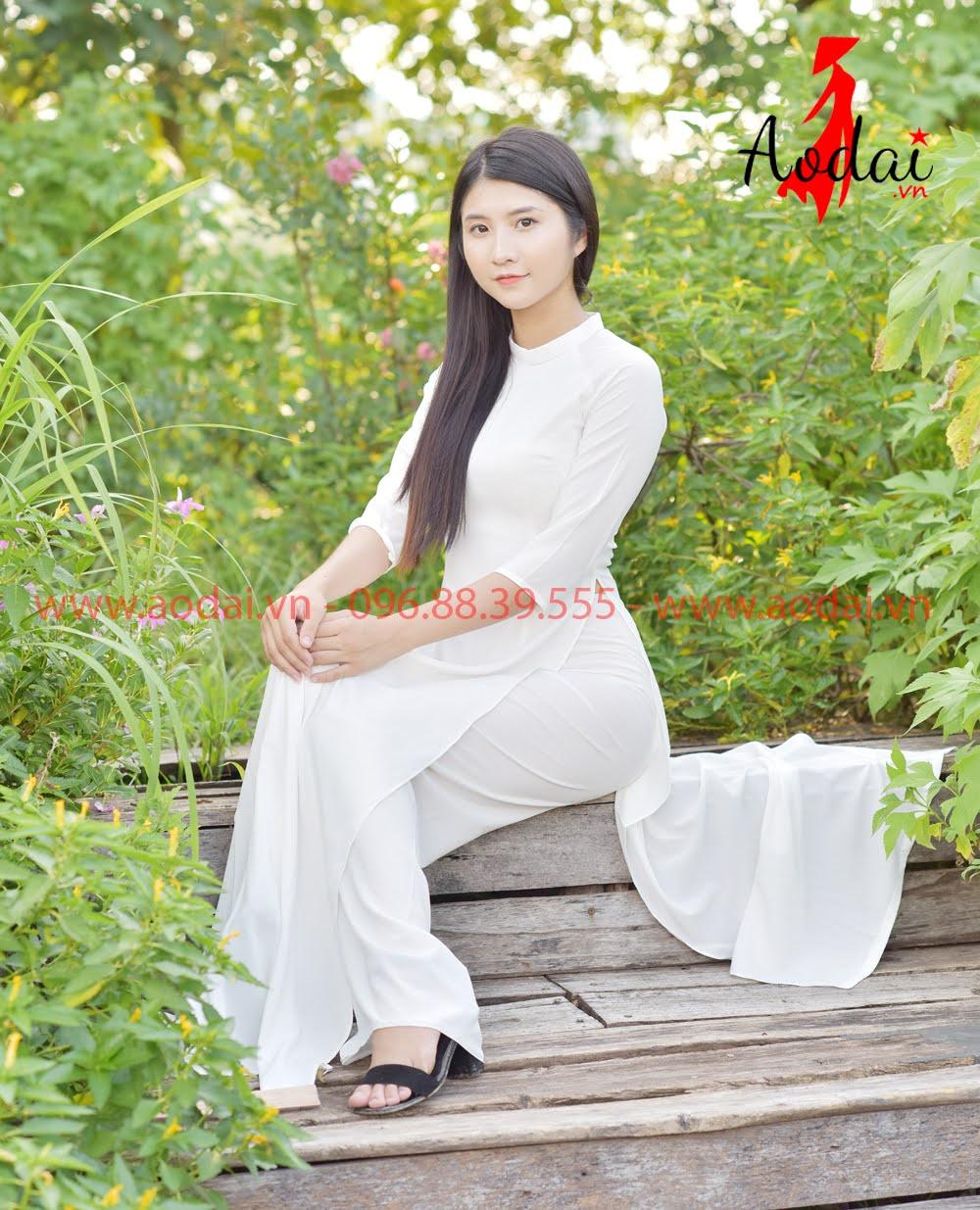 May áo dài tại Hà Nội