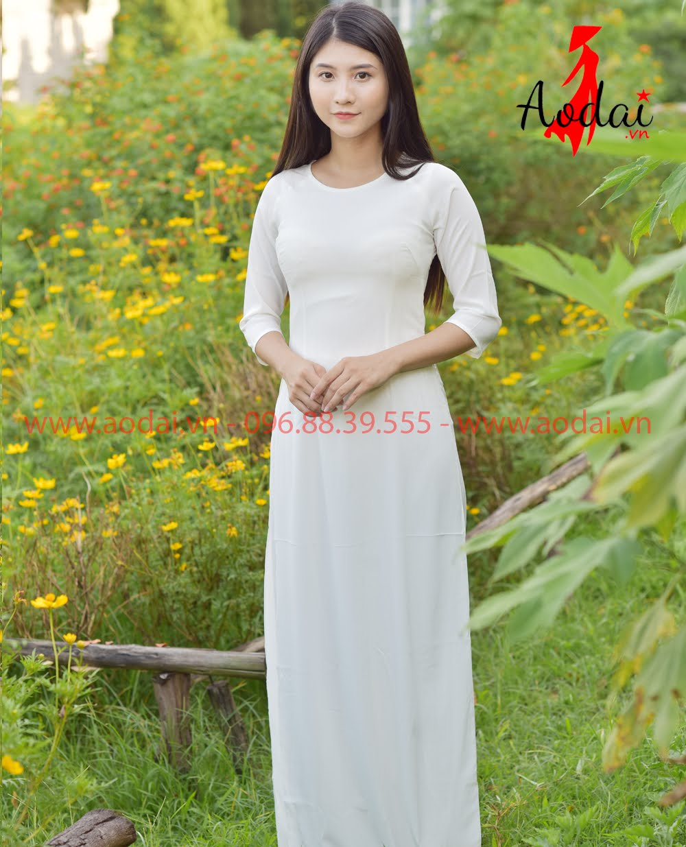 May áo dài tại Hóc Môn