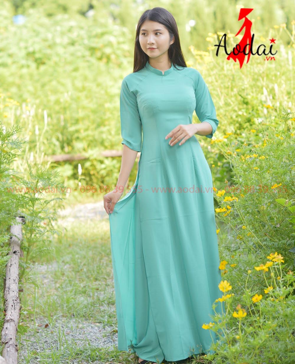May áo dài tại Kon Tum