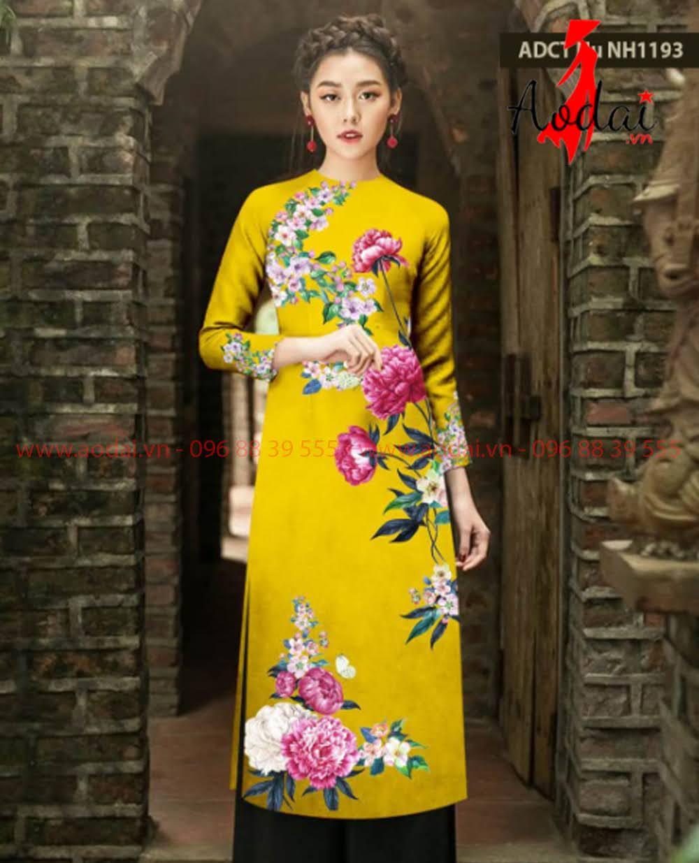 May áo dài tại Lạng Sơn