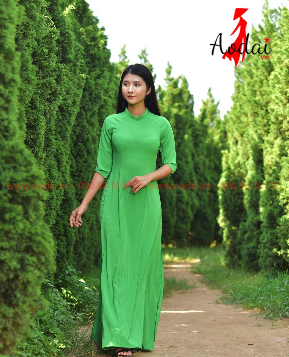 May áo dài tại Lào Cai