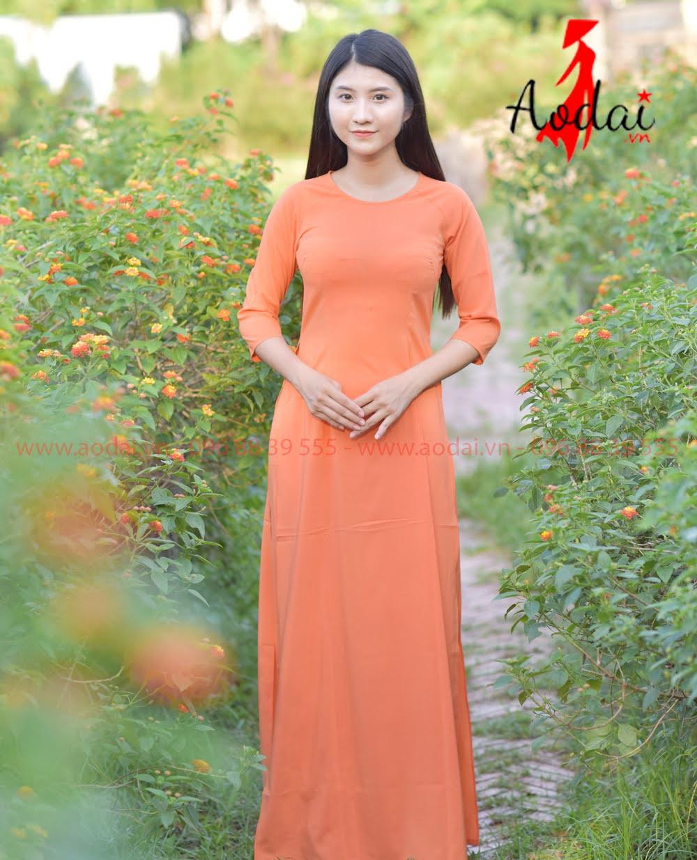 May áo dài tại Quảng Ninh