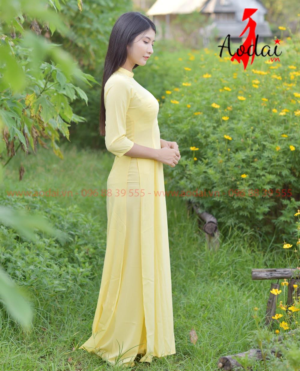May áo dài tại Thái Bình