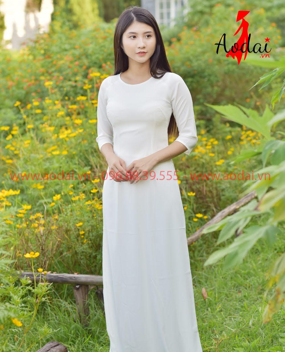 May áo dài tại Trà Vinh