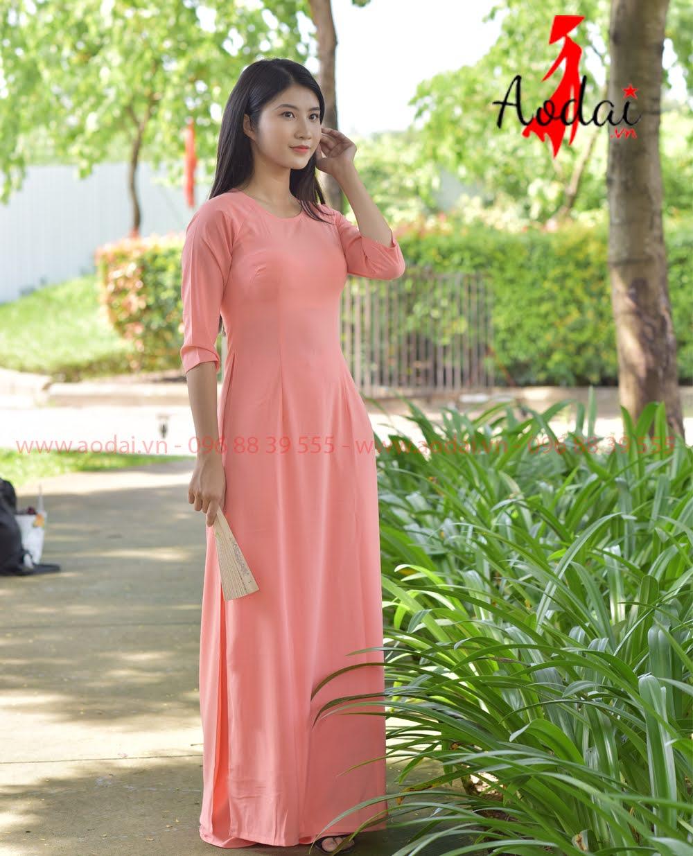 May áo dài tại Tuyên Quang